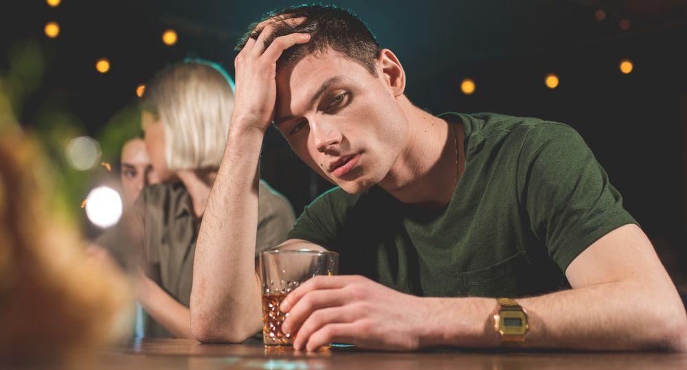 224429-por-que-os-jovens-bebem-e-o-que-fazer-para-evitar-que-isso-aconteca-1