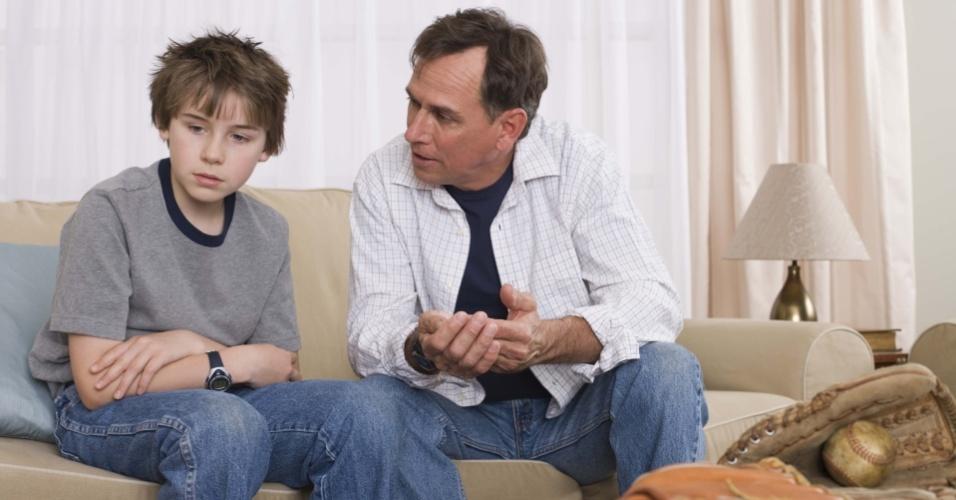 pai-conversando-com-filho-discussao-entre-pai-e-filho-educacao-pais-e-filhos-familia-1282951270957_956x5001