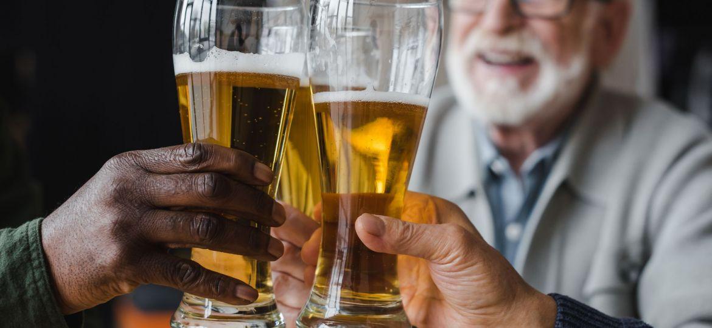232800-como-e-feito-o-tratamento-para-alcoolismo-na-terceira-idade
