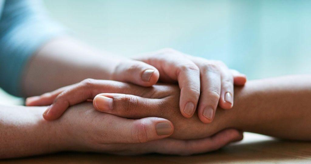 reabilitacao-de-um-drogado-inclui-perdao-e-tratamento-para-que-ele-fique-livre-do-vicio-1024x695