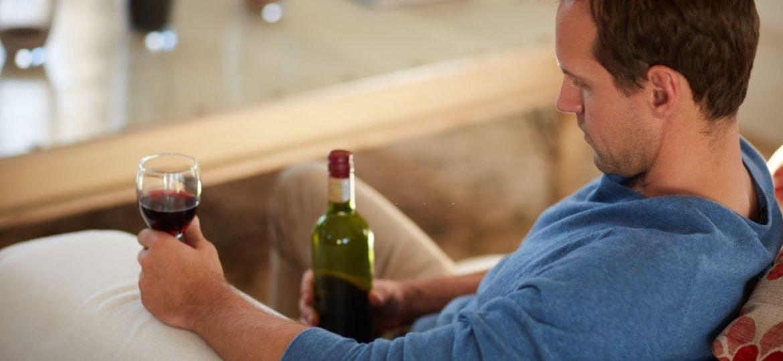 A-dificuldade-de-um-usuário-de-álcool-em-buscar-tratamento