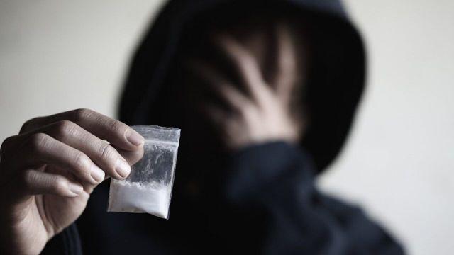 Como-parar-de-usar-drogas-sozinho-1280x720