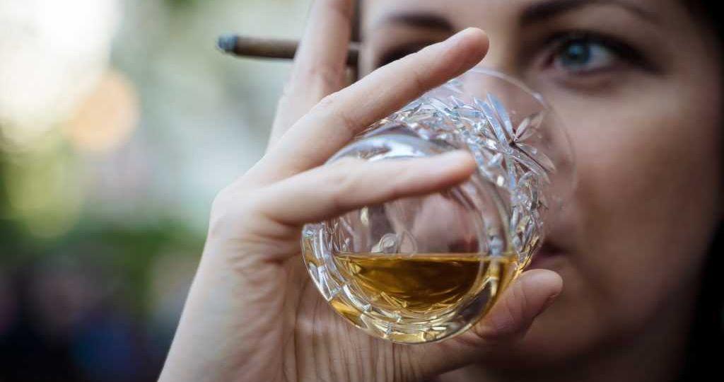 whiskey-4144391_1920-1024x683